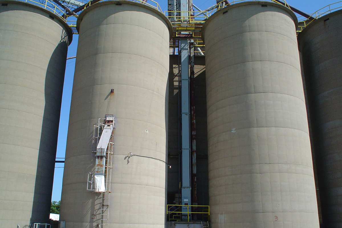 Feed & Grain Bin & Silo Cleaning Services & Equipment | Mole