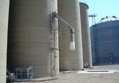 Feed & Grain Bin & Silo Cleaning Services & Equipment | Mole•Master